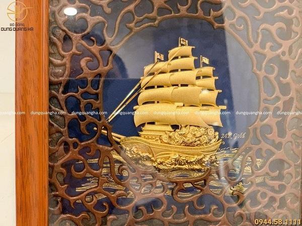Tranh lưu niệm thuyền buồm mạ vàng 24k kích thước 20 x 20cm