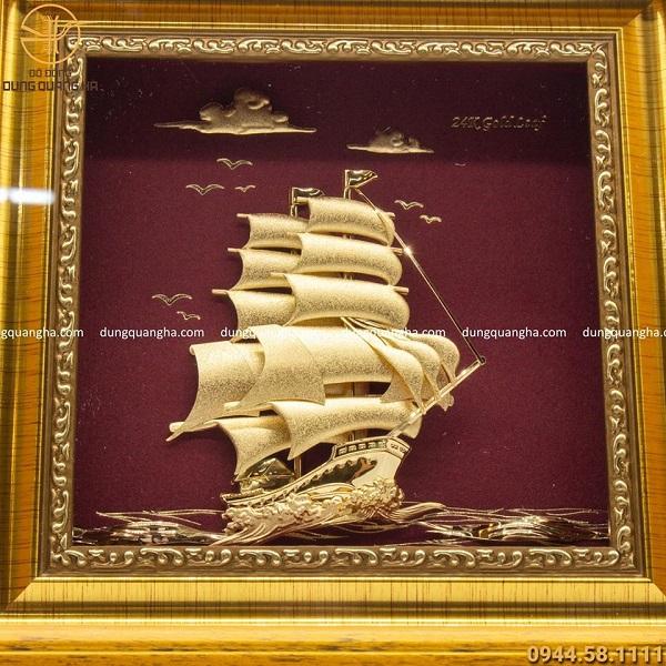 Tranh thuyền buồm lưu niệm mạ vàng khung giả gỗ 20 x 20cm