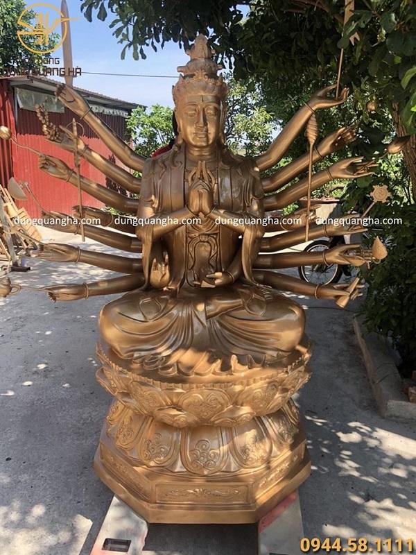 Tượng Chuẩn Đề Bồ Tát cao 2m nặng 800kg bằng đồng đỏ