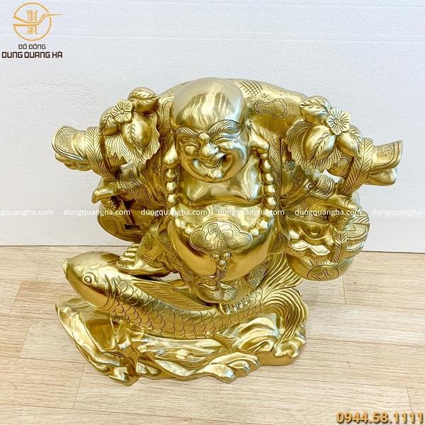Tượng Di Lặc gánh tiền vàng tài lộc bằng đồng cát tút cao 65cm