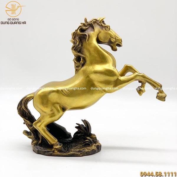 Tượng ngựa phong thủy bằng đồng vàng độc đáo cao 28cm