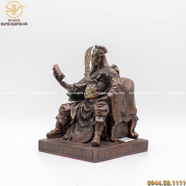 Tượng Quan Vân Trường ngồi đọc sách hun đen giả cổ 25cm
