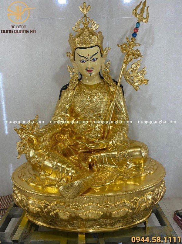 Tượng Đức Phật liên hoa sinh bằng đồng đỏ thếp vàng