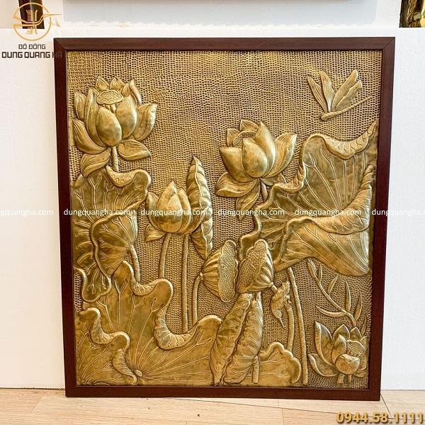 Tranh hoa sen đồng vàng giả cổ khung nhựa giả gỗ 190cm