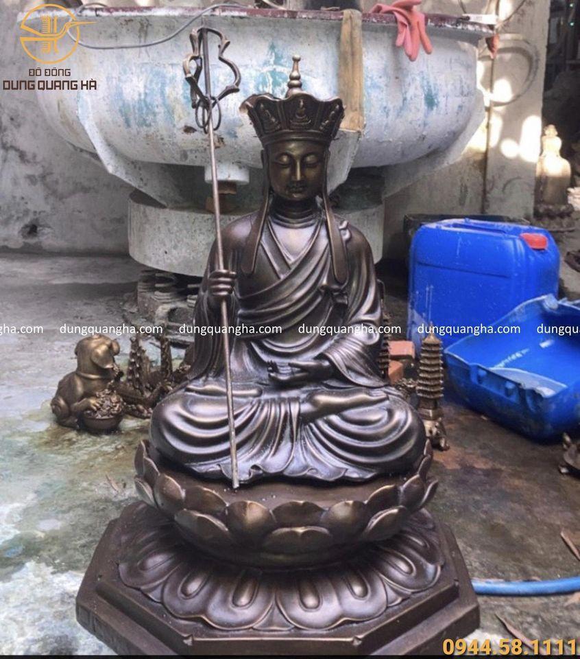 Tượng Bồ Tát Địa Tạng cao 60cm đế 45cm đồng vàng hun giả cổ