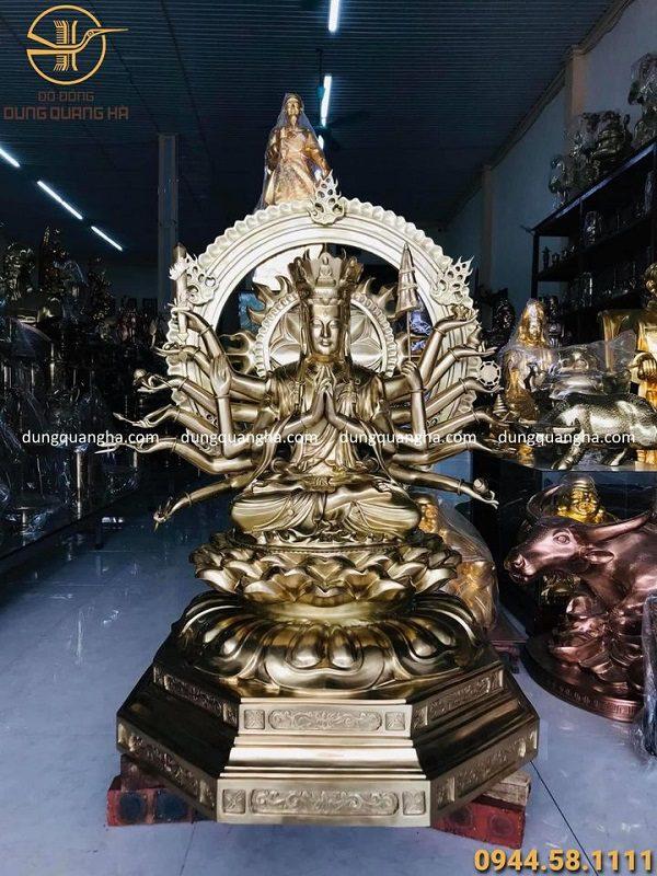 Tượng Phật mẫu Chuẩn Đề bằng đồng vàng catut cao 1m1