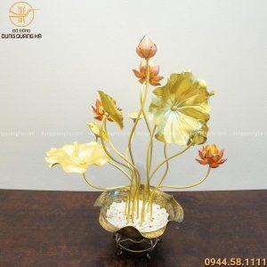 Quà tặng hoa sen bằng đồng đẹp trưng bày phòng khách