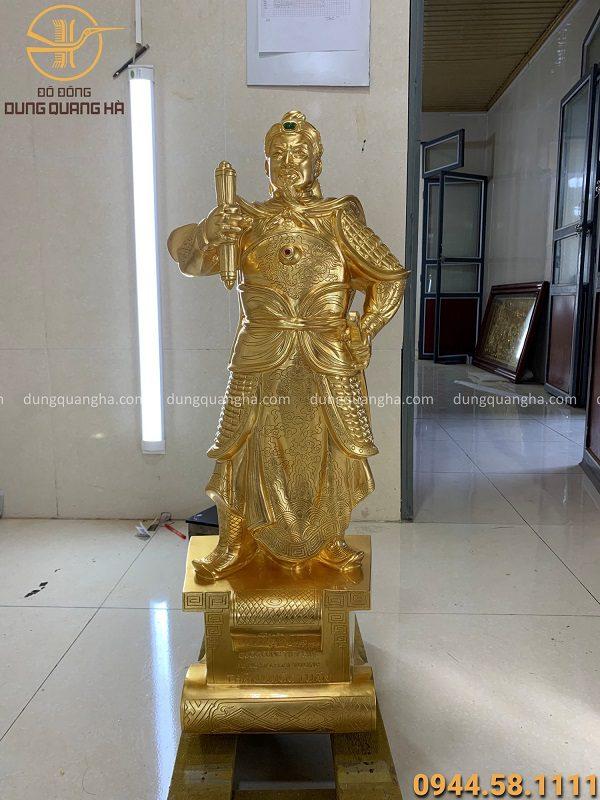 Quy trình chế tác tượng Trần Hưng Đạo cao 90cm thếp vàng 9999 theo yêu cầu của khách hàng
