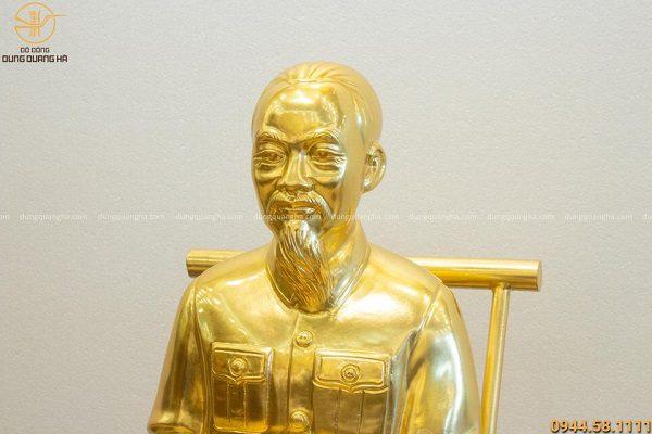 Tượng Bác Hồ ngồi ghế bằng đồng dát vàng 9999