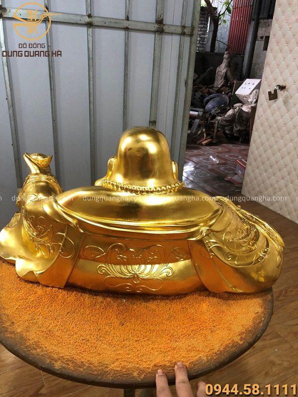 Tượng Di Lặc ngồi nâng kim nguyên bảo thếp vàng 9999