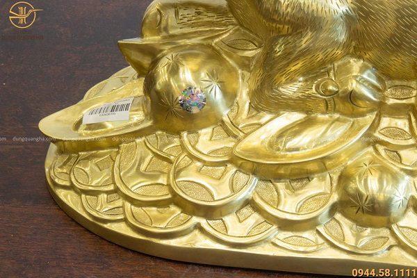 Tượng trâu phong thủy bằng đồng catut thiết kế ấn tượng