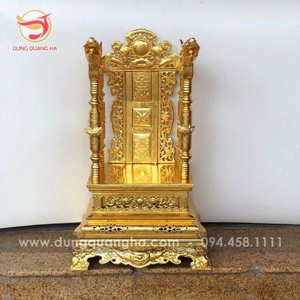 Ngai thờ gia tiên bằng đồng mạ vàng