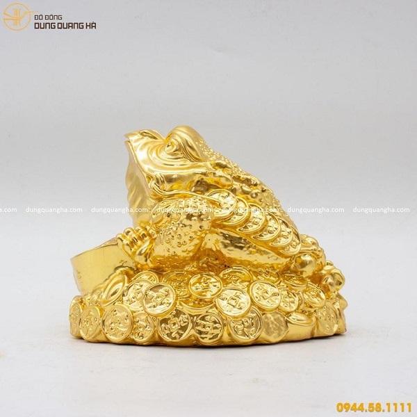 Tượng cóc ngậm tiền bằng đồng thếp vàng 9999