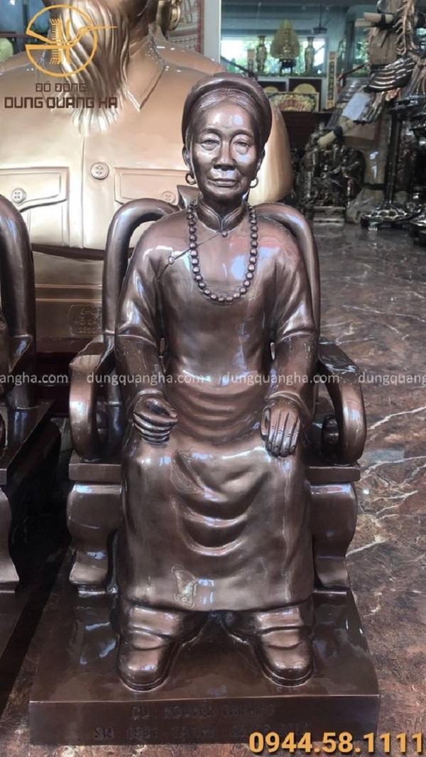 Đúc tượng chân dung ngồi ghế bằng đồng cao 60cm