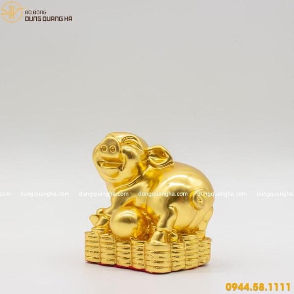 Tượng Heo phong thủy xếp vàng tượng trưng cho sự thịnh vượng