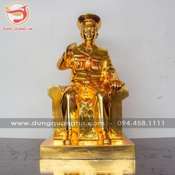 Tượng đại tướng Võ Nguyên Giáp mạ vàng 24k