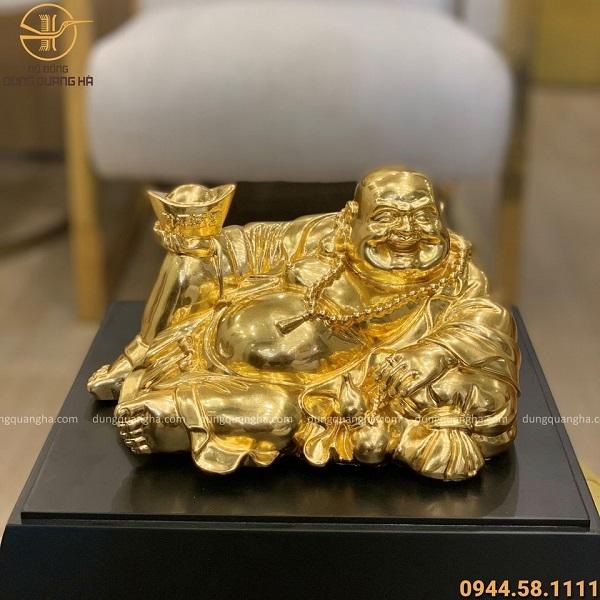 Tượng Phật Di Lặc nằm cầm kim nguyên bảo thếp vàng 9999
