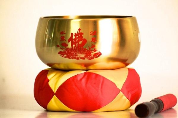 Chuông gia trì là pháp khí quen thuộc của Phật giáo