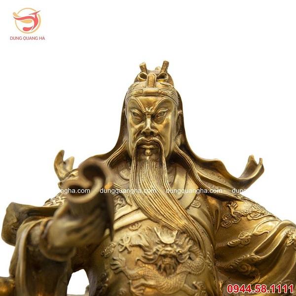Có nên thờ Quan Công chung với Phật là thắc mắc của nhiều gia chủ