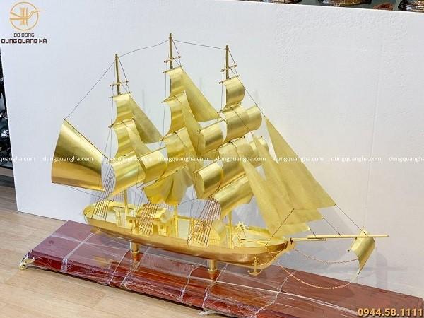 Thuyền buồm phong thủy đồng cát tút dài 152cm cao 96cm (cả đế)
