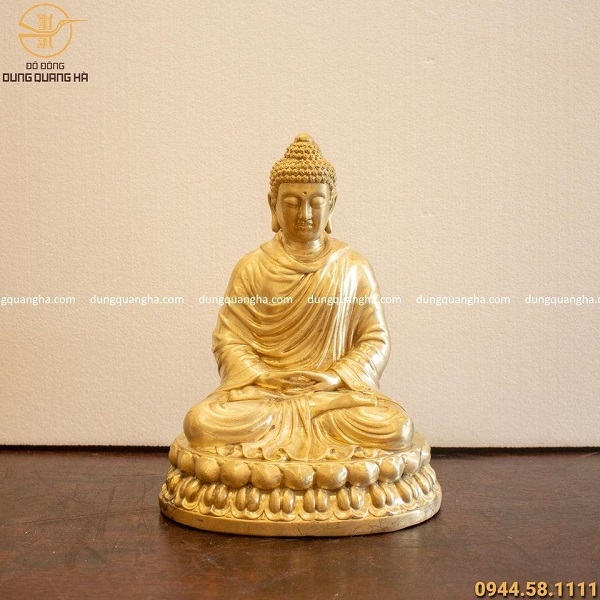 Tượng đồng Phật Thích Ca uy nghiêm, nét mặt thánh thiện, từ bi
