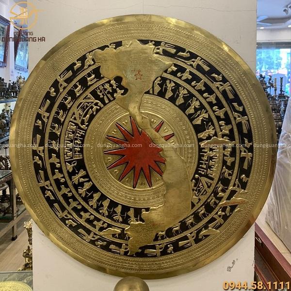 Mặt trống đồng bản đồ Việt Nam sơn đen đỏ