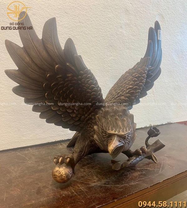 Tượng đại bàng tung cánh cao 50cm bằng đồng đỏ hun