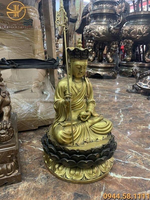 Tượng Địa Tạng Vương Bồ Tát bằng đồng vàng cao 47cm