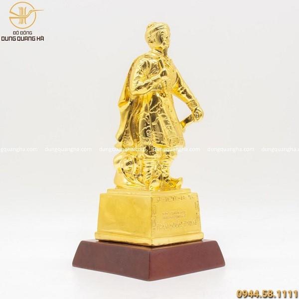 Tượng Trần Hưng Đạo bằng đồng mạ vàng 24k (có đế)