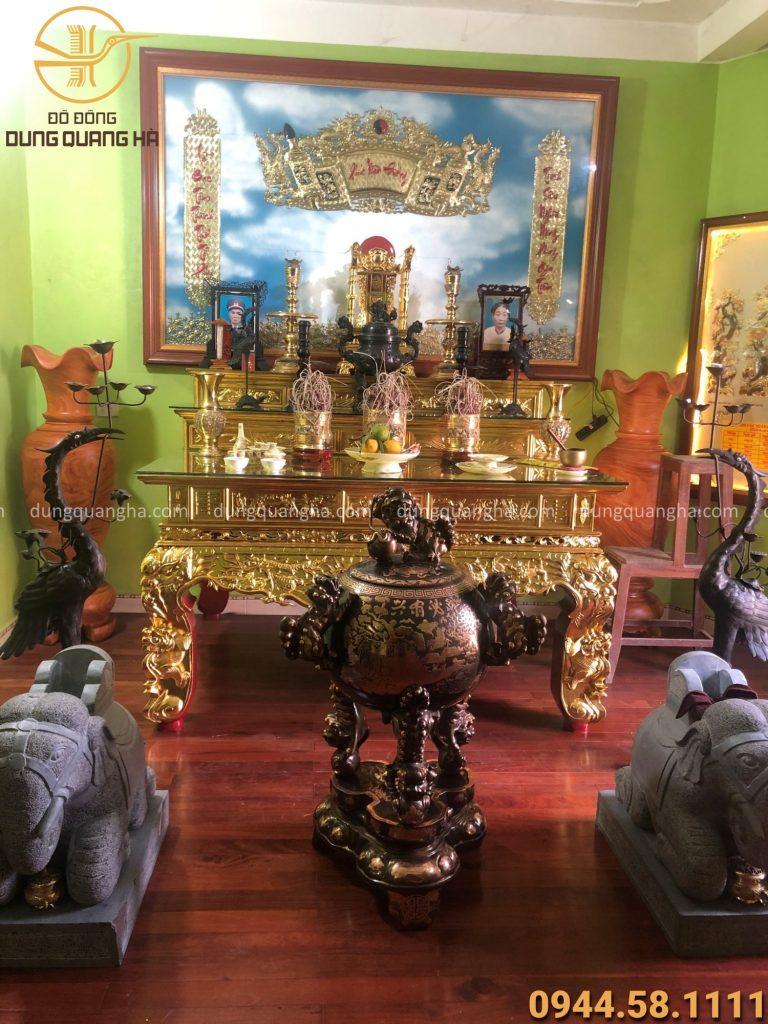 Trên bàn thờ nên có đầy đủ các yếu tố ngũ hành