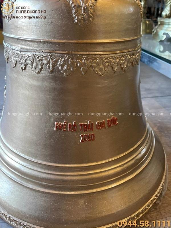Chuông đồng Công giáo tinh xảo nặng 60kg đường kính 44cm