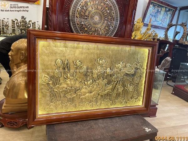 Tranh sen phong thủy bằng đồng tạo màu giả cổ 1m55 x 98cm