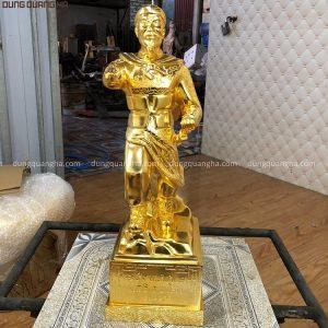 Tượng Ngô Quyền bằng đồng cao 50cm mạ vàng 24k
