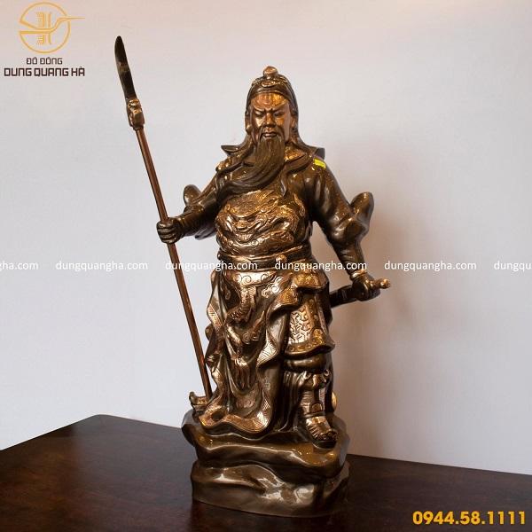 Tượng Quan Vân Trường bằng đồng đứng chống đao