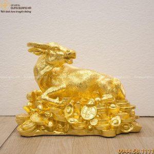 Tượng trâu phong thủy thịnh vượng bằng đồng mạ vàng 24k