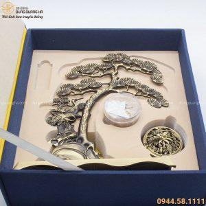 Hộp quà lư xông trầm tạo hình treo cây tùng độc đáo