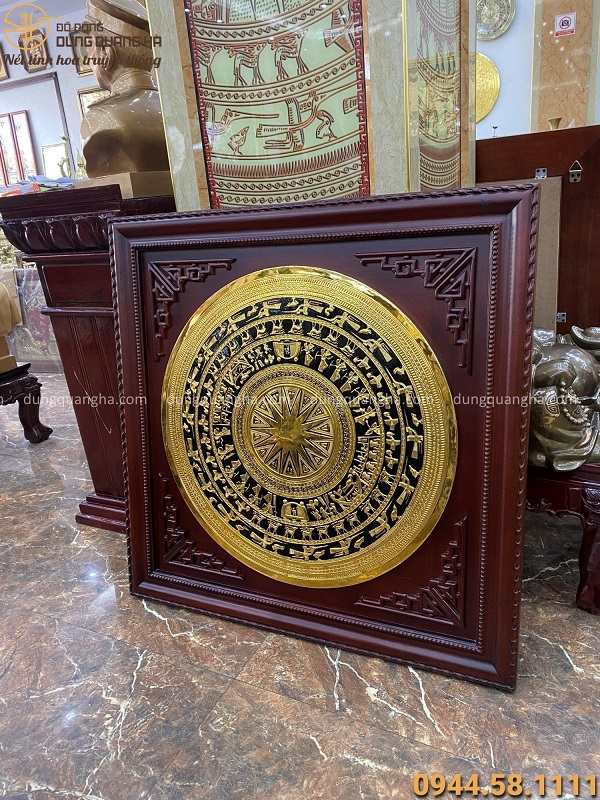 Mặt trống đồng đường kính 80cm mạ vàng 24k khung gỗ gụ 1m08