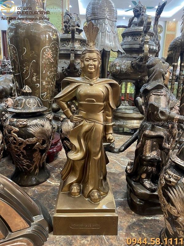 Tượng nữ tướng Lê Chân bằng đồng đỏ tinh xảo cao 90cm