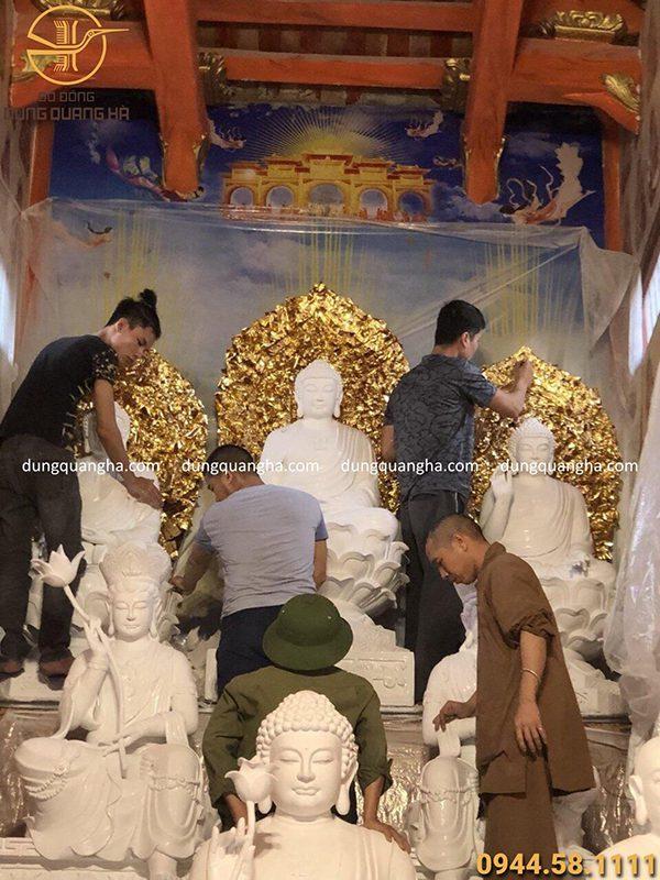 Thi công công trình dát vàng tượng Phật