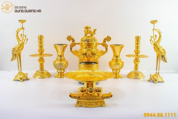 Bộ đồ thờ cúng mạ vàng
