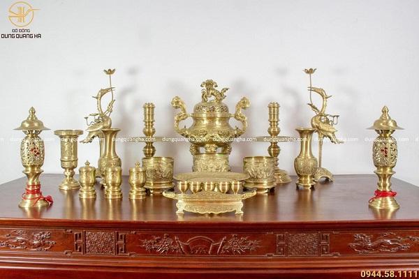 Bộ đồ thờ bằng đồng