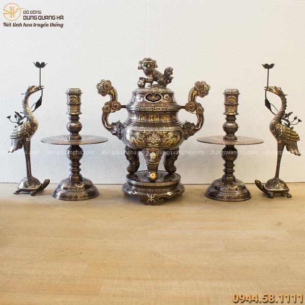 Bộ đồ thờ ngũ sự chạm rồng cổ kính bằng đồng khảm ngũ sắc