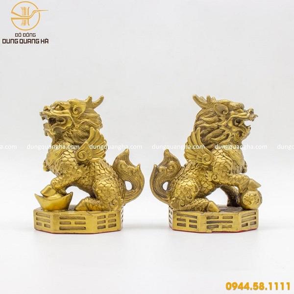 Cặp tượng kỳ lân bằng đồng vàng