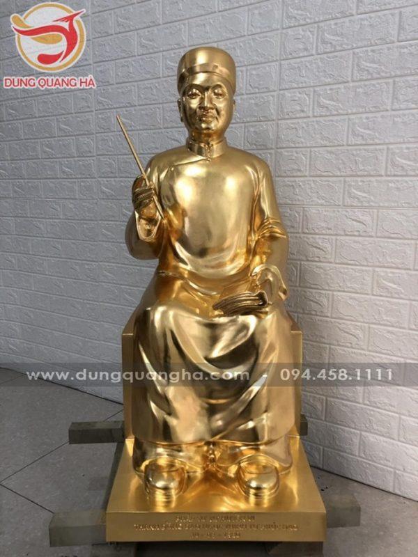 Tượng chân dung bằng đồng thếp vàng cao 90cm