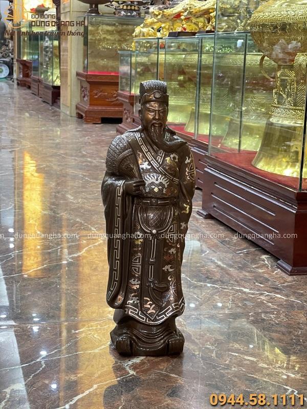 Tượng Khổng Minh đứng bằng đồng khảm tam khí cao 55cm