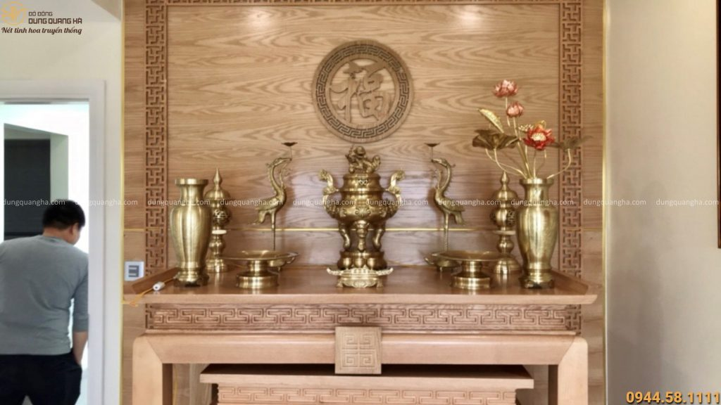 Bộ đồ thờ cúng với vẻ đẹp tinh xảo và màu sắc thời thượng