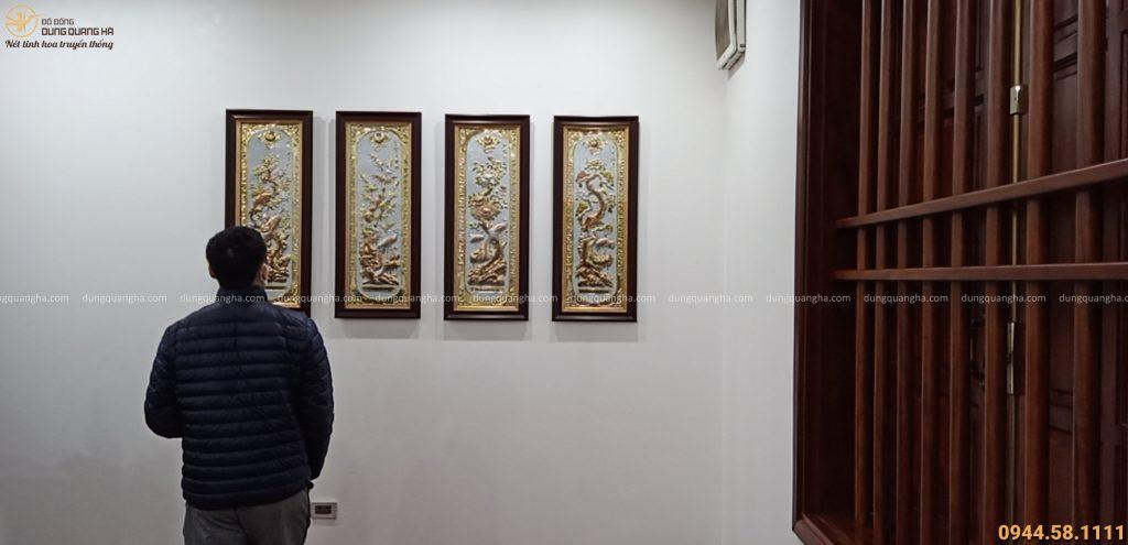 Tranh tứ quý bằng đồng treo tại nhà khách Hà Nội