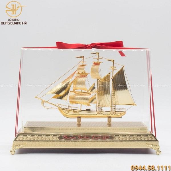 Qùa lưu niệm thuyền buồm mạ vàng