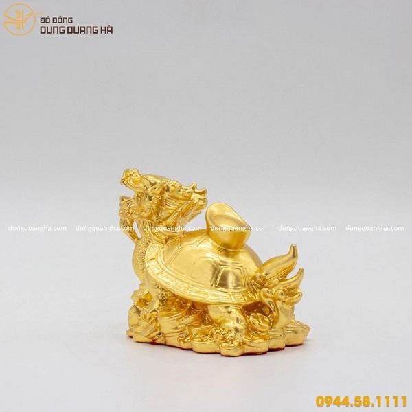 Long quy cõng thỏi vàng bằng đồng mạ vàng 24k