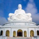 Ngắm nhìn tượng Phật lớn nhất Đông Nam Á giữa làng quê Việt